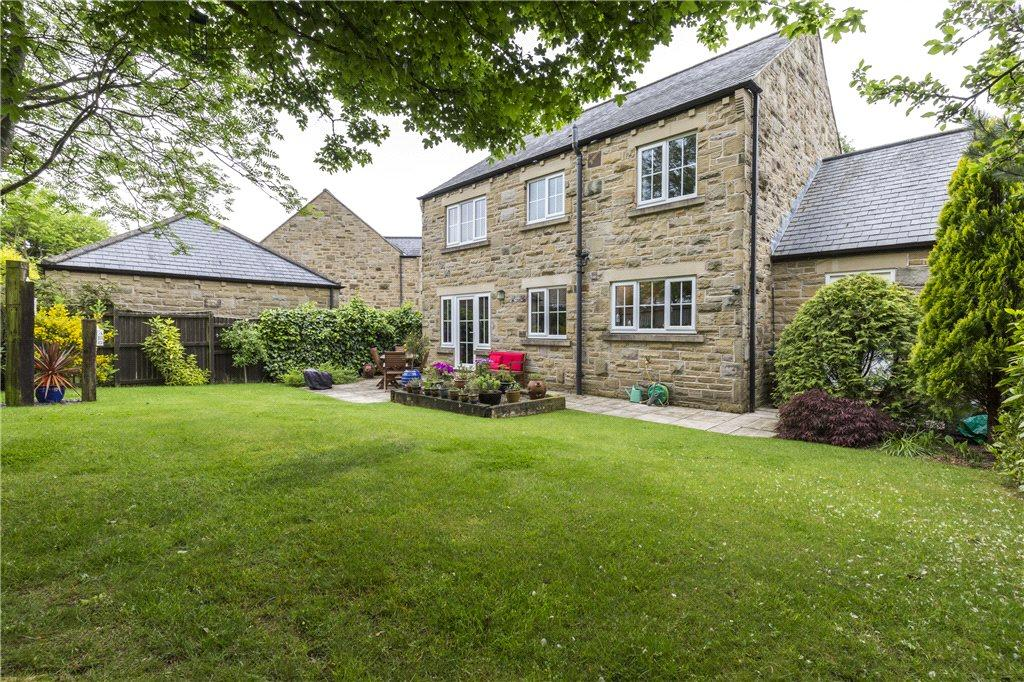 4 Bedrooms Detached House for sale in Bracken Park, Gilstead, Bingley, West Yorkshire