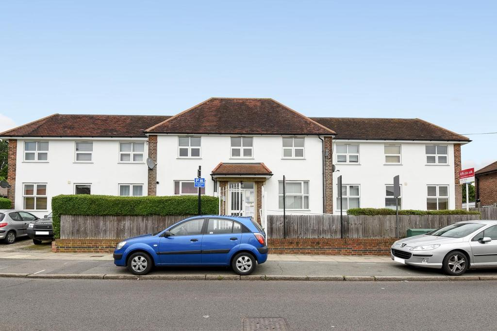 2 Bedrooms Flat for sale in Church Down, Bromley, BR1