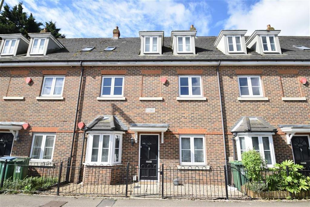 2 Bedrooms Maisonette Flat for sale in Queens Avenue, West Watford, Herts