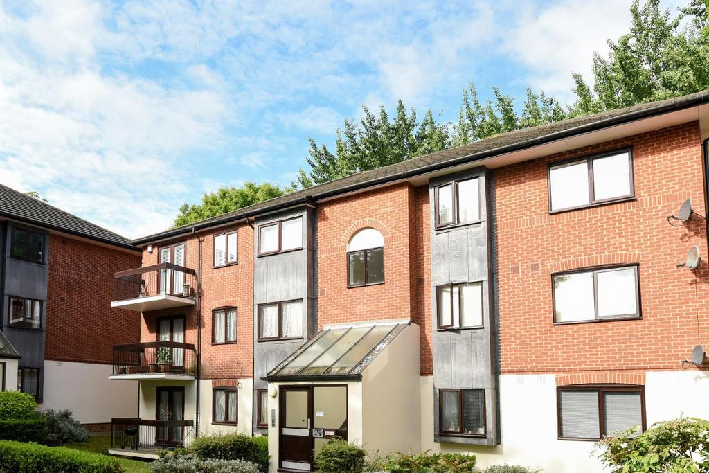 1 Bedroom Flat for sale in Wavel Place, Sydenham, SE26