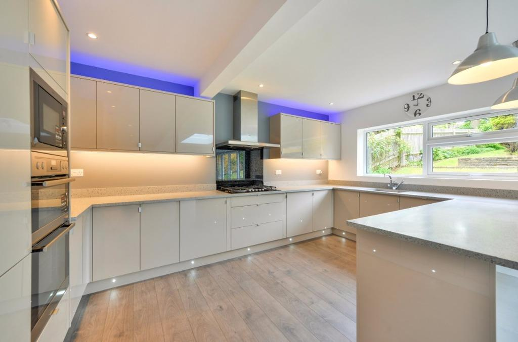 4 Bedrooms Detached House for sale in Millcroft Brighton East Sussex BN1