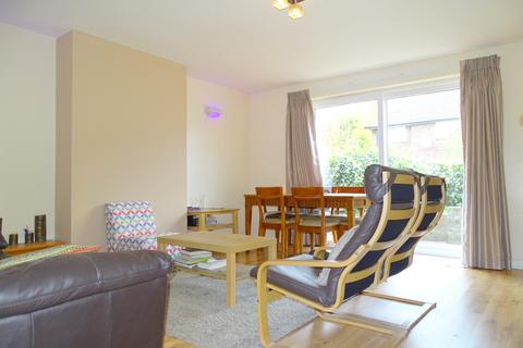 1 bedroom house share - Lismore Close, Isleworth, TW7
