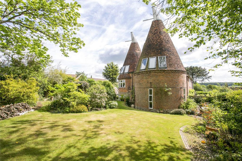 5 Bedrooms Detached House for sale in The Street, Plaxtol, Sevenoaks, Kent