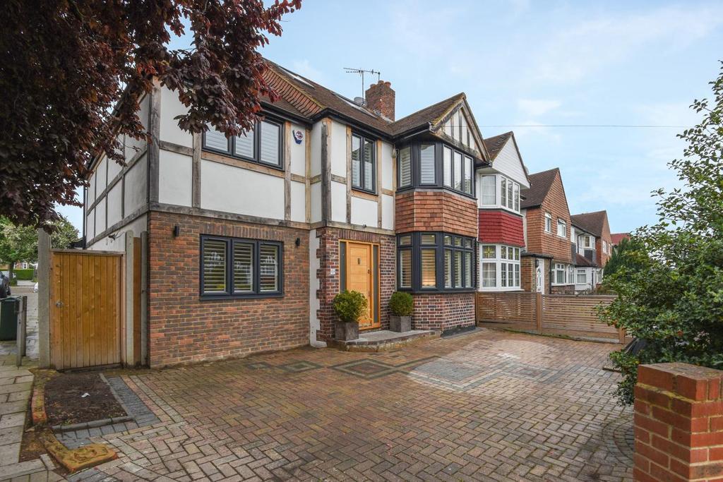 4 Bedrooms Semi Detached House for sale in Jevington Way, Lee, SE12