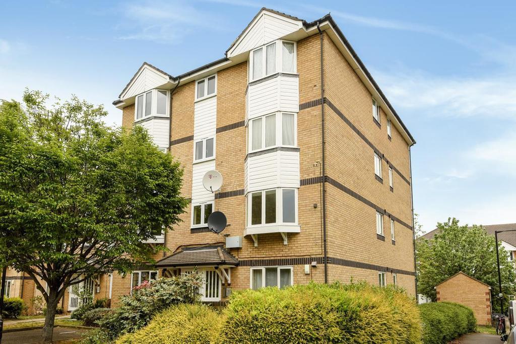 2 Bedrooms Flat for sale in Rossetti Road, Bermondsey, SE16
