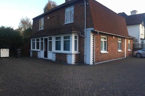 7 bedroom house share to rent - Orchard Drive, Uxbridge