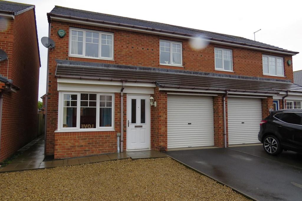 3 Bedrooms Semi Detached House for sale in Foxcover, Linton