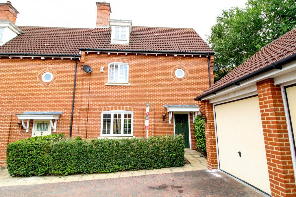 3 Bedrooms Semi Detached House for sale in Vaughan Williams Way, Warley, Brentwood, Essex, CM14