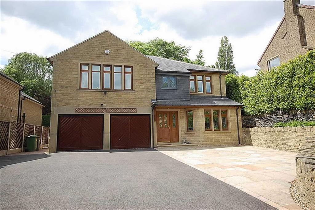 4 Bedrooms Detached House for sale in Beaumont Park Road, Beaumont Park, Huddersfield, HD4