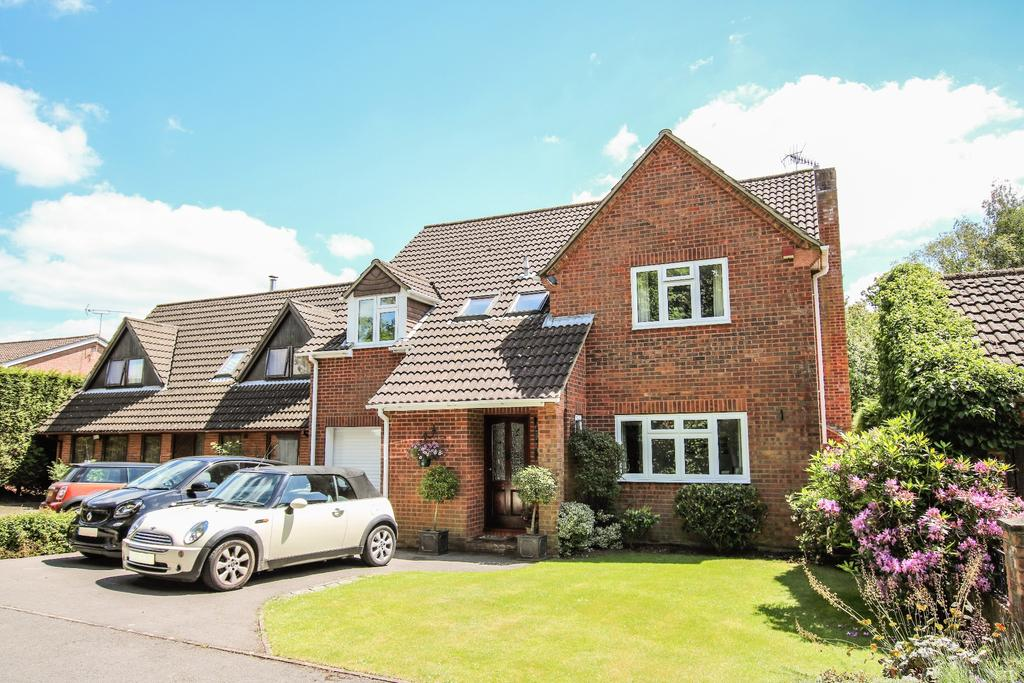 4 Bedrooms Detached House for sale in BOORLEY GREEN