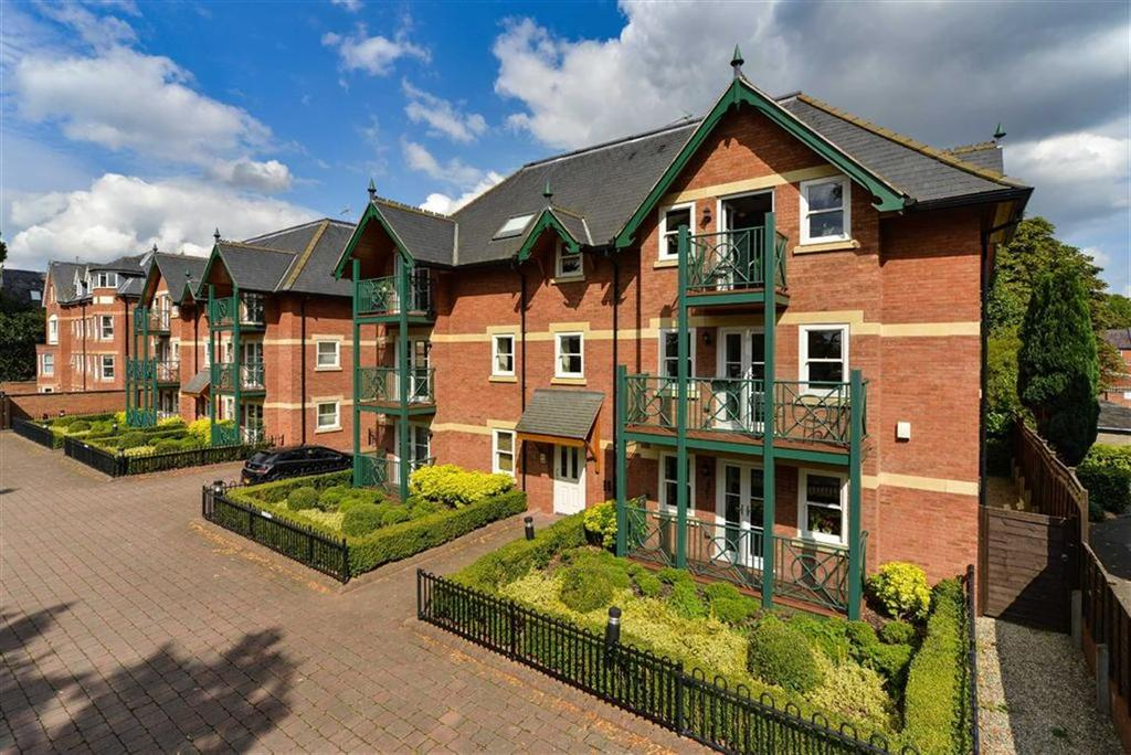 3 Bedrooms Apartment Flat for sale in Saxon Court, Guys Cliffe Avenue, Leamington Spa