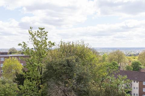 2 bedroom flat for sale - Sylvan Hill, Crystal Palace, SE19