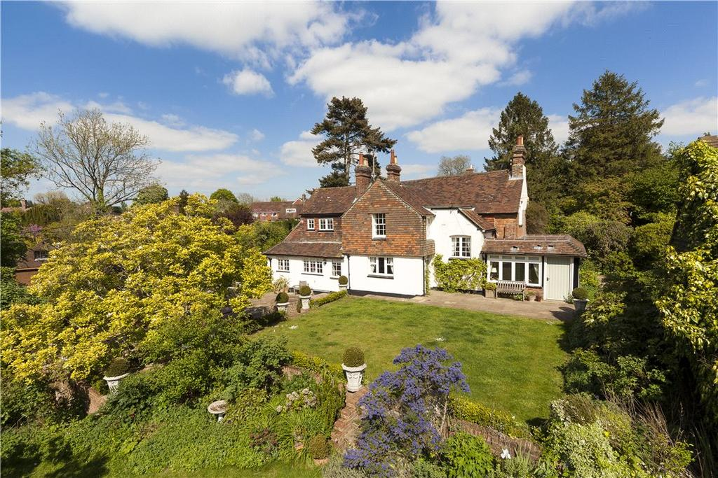 4 Bedrooms Detached House for sale in Church Street, Rudgwick, Horsham, West Sussex, RH12