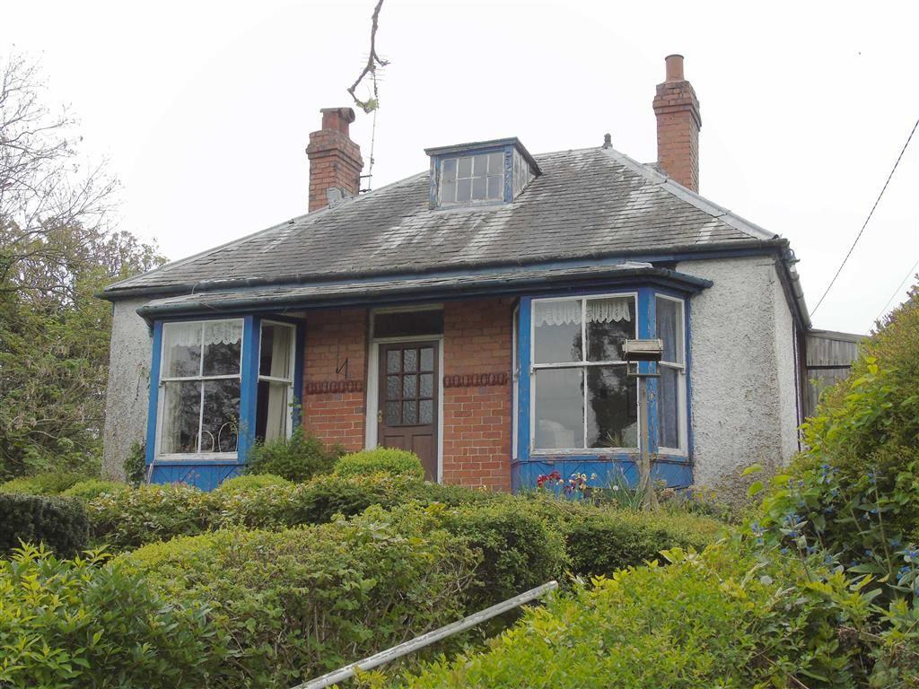 3 Bedrooms Detached Bungalow for sale in Brynhafod, Llanfyllin, Powys, SY22