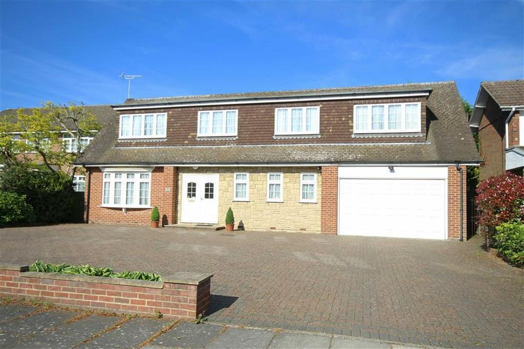 4 Bedrooms Detached House for sale in Field End, Arkley, Hertfordshire