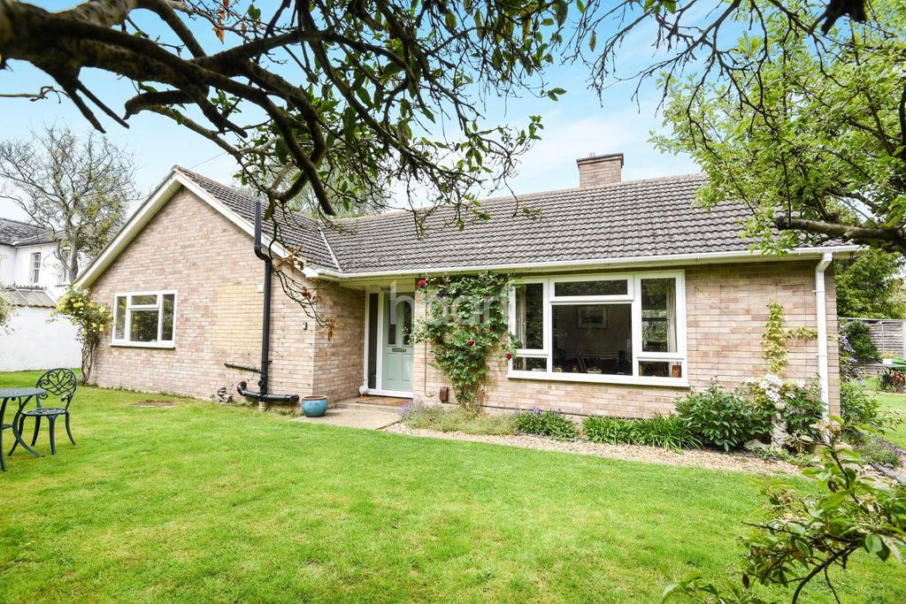 3 Bedrooms Bungalow for sale in Shelford Park Avenue, Great Shelford, Cambridge