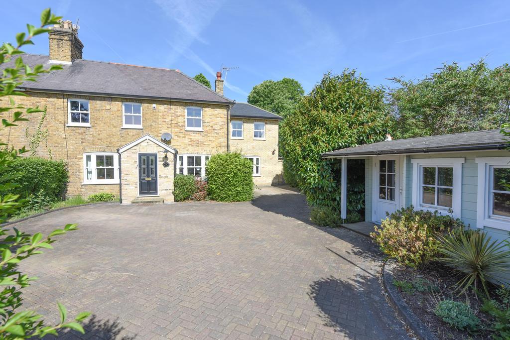 5 Bedrooms Semi Detached House for sale in Weybridge Road, Addlestone, Surrey, KT15