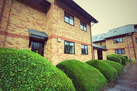 2 bedroom flat for sale - Cavendish Gardens, CHELMSFORD, Essex