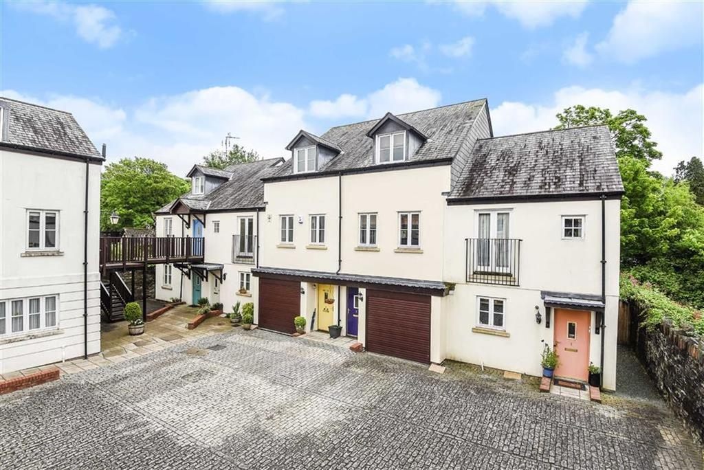 3 Bedrooms Semi Detached House for sale in Abbeymead Mews, Tavistock, Devon