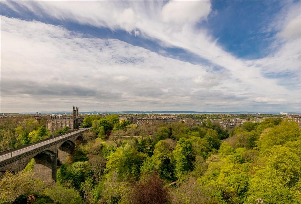 3 Bedrooms Flat for sale in Randolph Crescent, New Town, Edinburgh, EH3