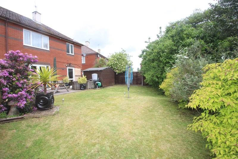 3 Bedrooms Semi Detached House for sale in Westfield Close, Southampton