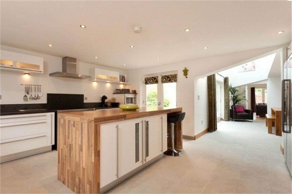 4 Bedrooms Detached House for sale in Burton Gates, High Catton, YORK