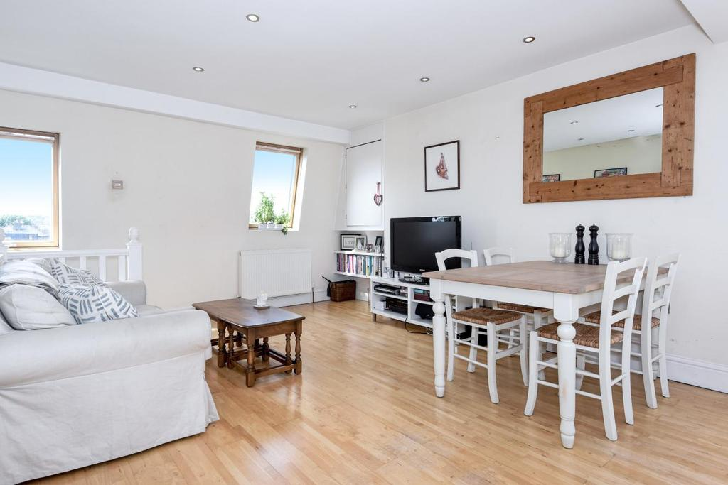 2 Bedrooms Flat for sale in Lower Richmond Road, Putney, SW15
