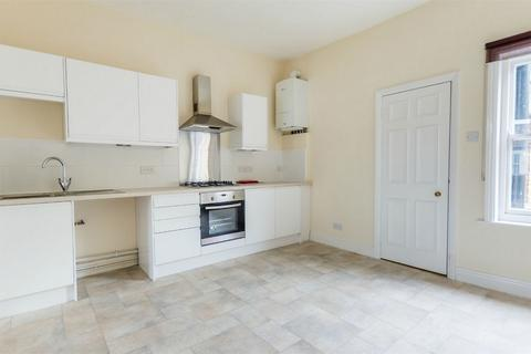 2 bedroom flat to rent - 66b Gillygate, YORK