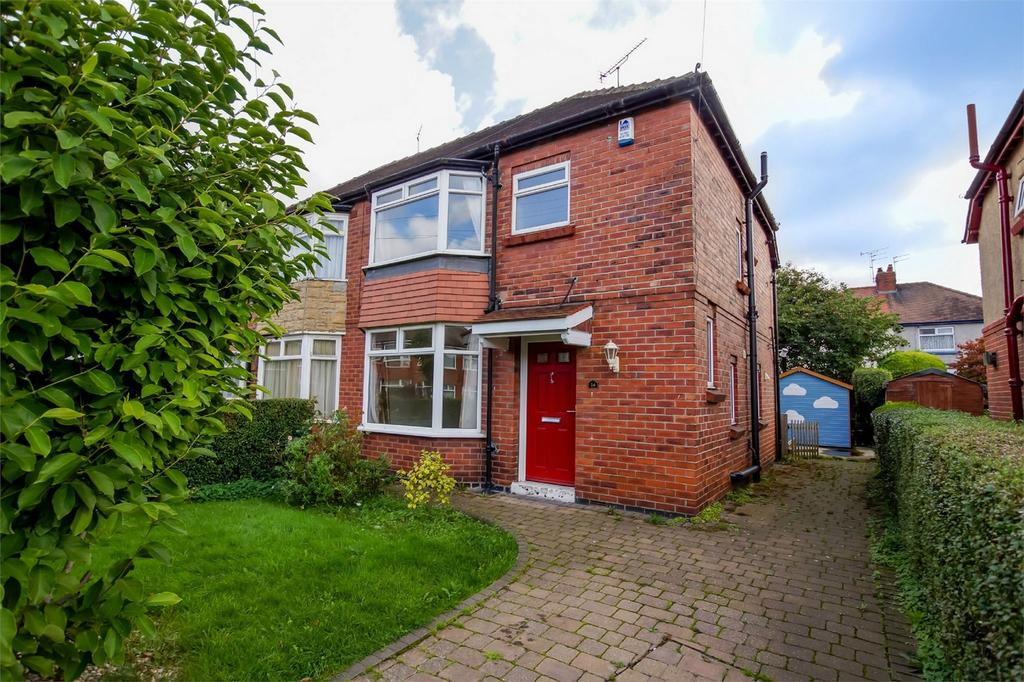 3 Bedrooms Semi Detached House for sale in White House Dale, Tadcaster Road, York