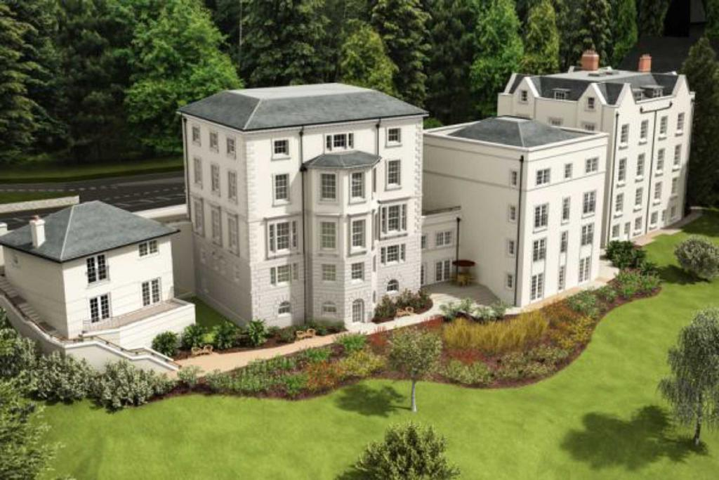 2 Bedrooms Flat for sale in Abbey Road, Malvern, Worcestershire