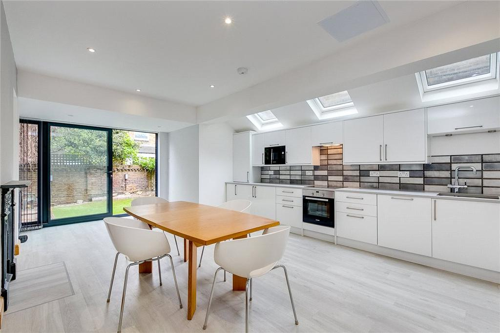 4 Bedrooms Flat for sale in Racton Road, Fulham, London, SW6