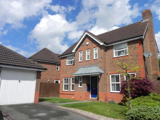 3 Bedrooms Detached House for sale in Ash Walk,New Hall Manor,Sutton Coldfield