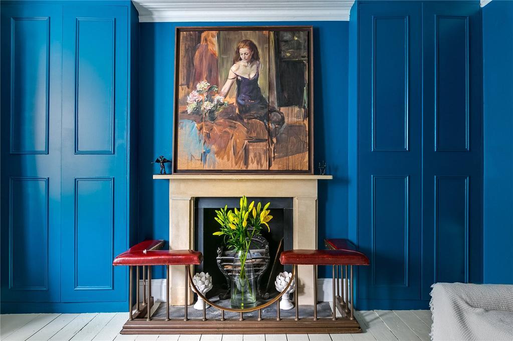 1 Bedroom Flat for sale in Edith Road, West Kensington, London