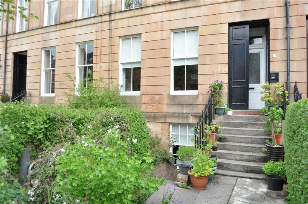 2 Bedrooms Apartment Flat for sale in 18A Queen Square, Strathbungo, G41 2AZ