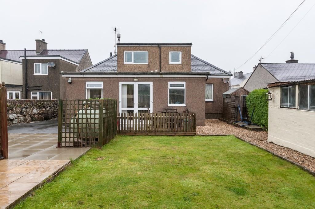 4 Bedrooms Detached Bungalow for sale in Madoc Street, Y Ffor, North Wales