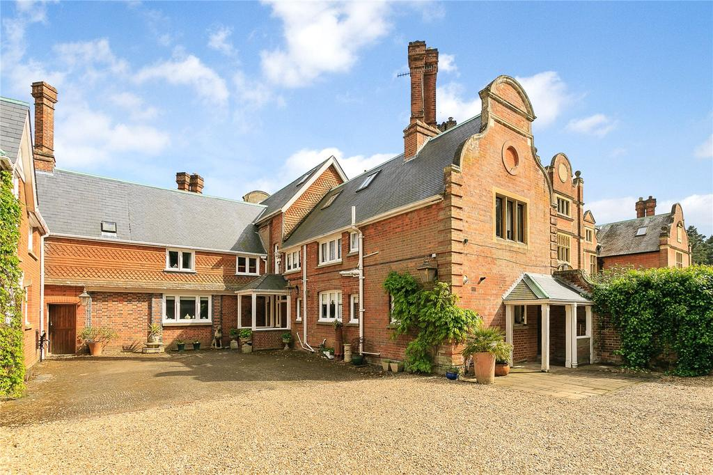 5 Bedrooms Semi Detached House for sale in Tilford, Farnham, Surrey