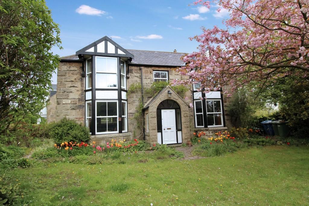 4 Bedrooms Detached House for sale in Longframlington, Morpeth