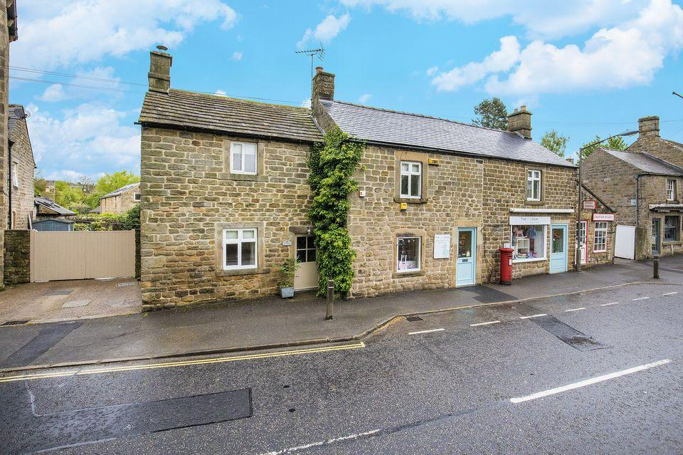 4 Bedrooms Cottage House for sale in Church Cottage Church Street Baslow DE45 1RY