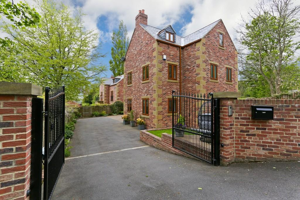 6 Bedrooms Detached House for sale in Manor House , Flockton