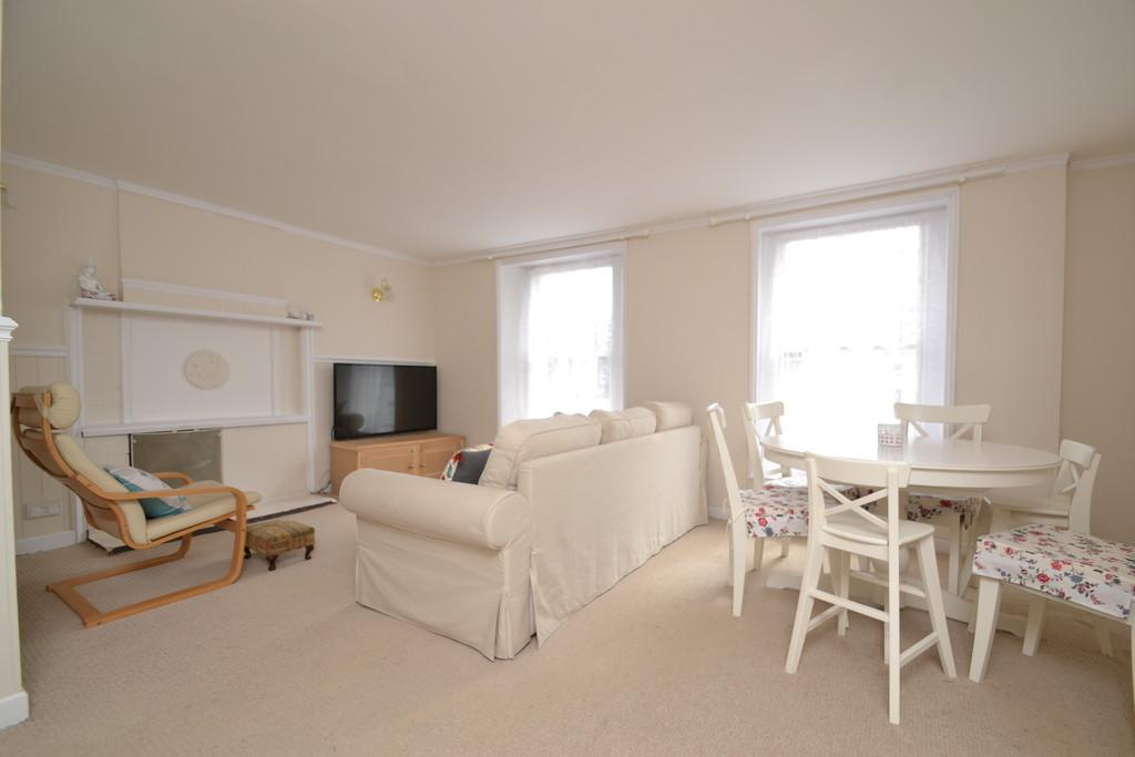 2 Bedrooms Maisonette Flat for sale in Church Lane, Ryde, Isle Of Wight