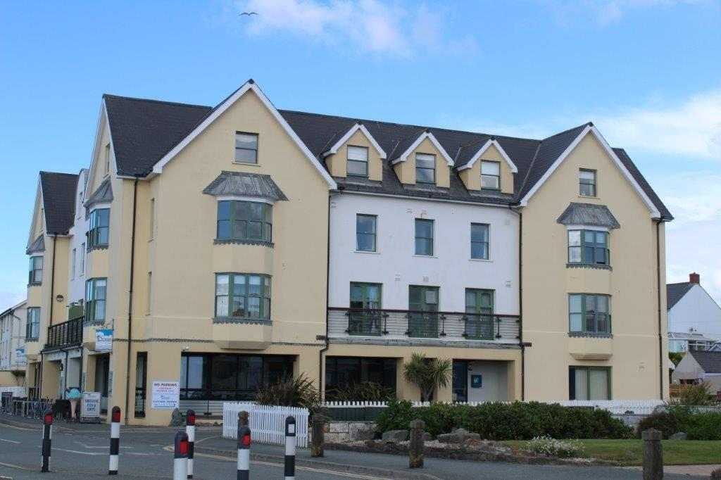2 Bedrooms Apartment Flat for sale in 34 St Brides Bay View
