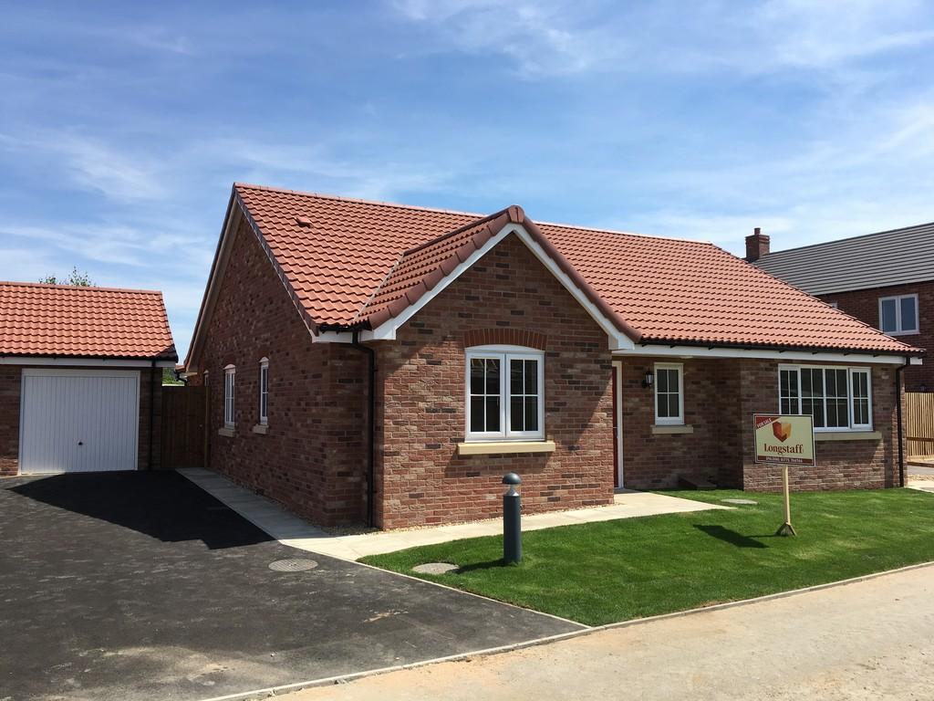 3 Bedrooms Detached Bungalow for sale in Cross Court, Whaplode