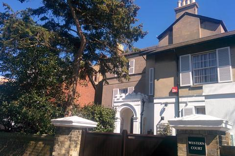 1 bedroom flat to rent - Western Court, Queens Place,  PO5 3HG
