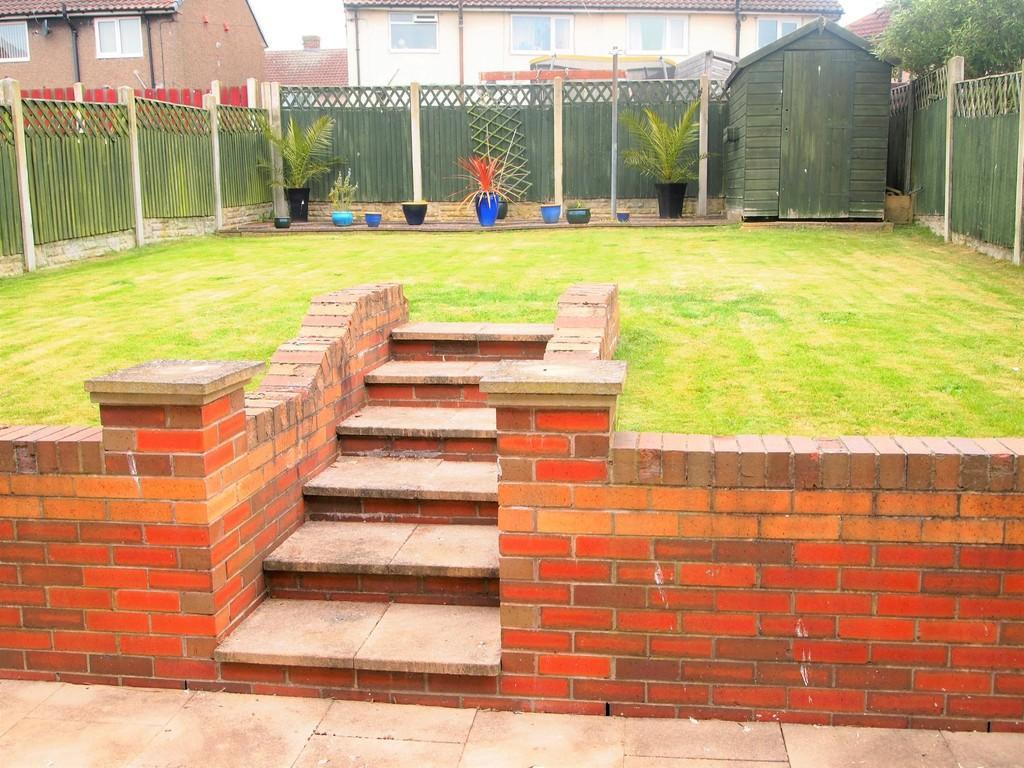 3 Bedrooms Semi Detached House for sale in Gurth Drive, Thurcroft