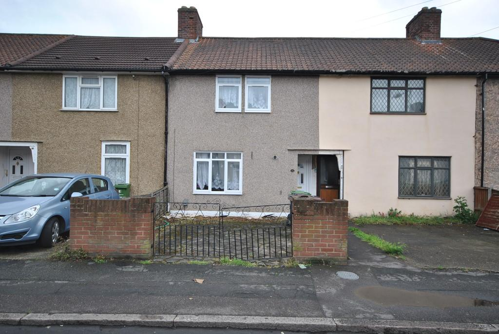 3 Bedrooms Terraced House for sale in Westfield Road, Dagenham