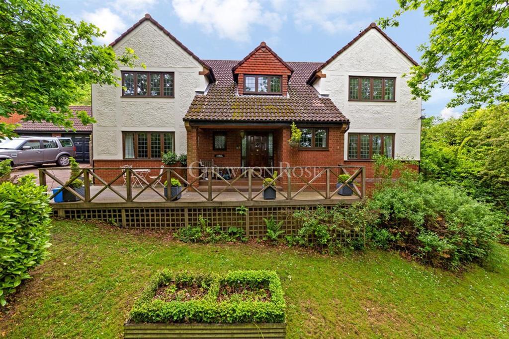 4 Bedrooms Detached House for sale in Sewardstonbury