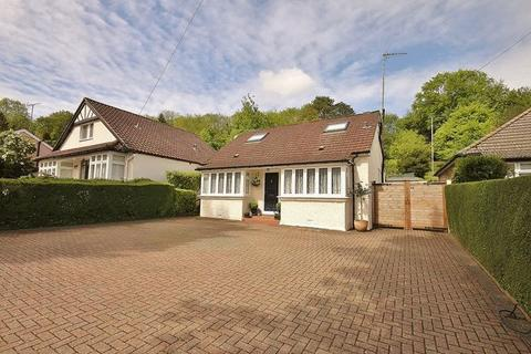 4 bedroom bungalow for sale - Whyteleafe Hill, Whyteleafe