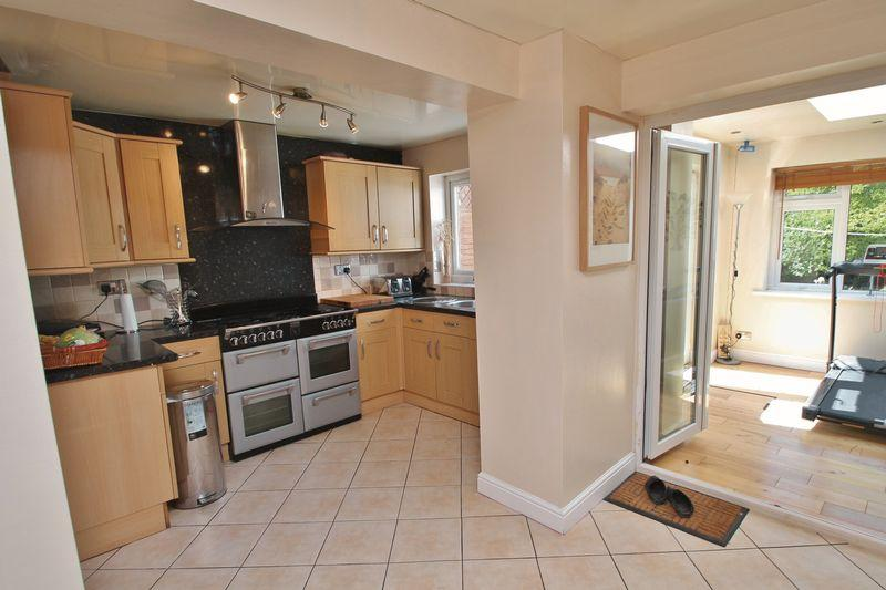 4 Bedrooms Semi Detached House for sale in Calluna Grove, Marton