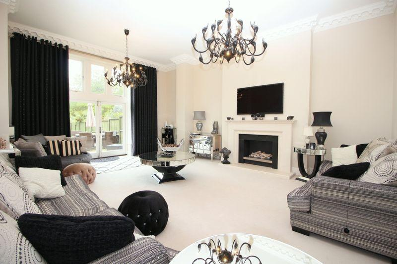 4 Bedrooms House for sale in Rowanwood Avenue, Sidcup