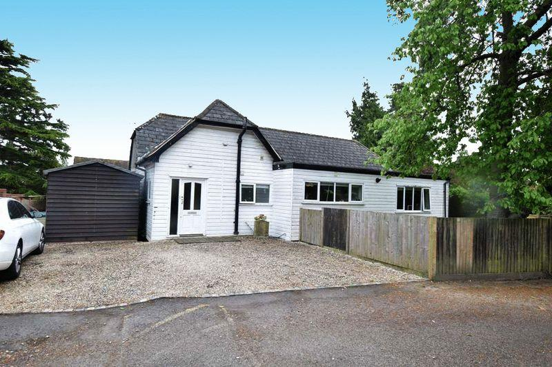 3 Bedrooms Bungalow for sale in St Faiths Lane, Maidstone